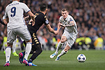 Toni Kroos of Real Madrid fights for the ball during the match Real Madrid vs Napoli, part of the 2016-17 UEFA Champions League Round of 16 at the Santiago Bernabeu Stadium on 15 February 2017 in Madrid, Spain. Photo by Diego Gonzalez Souto / Power Sport Images