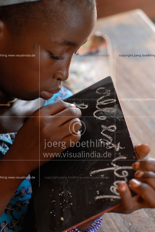 "Afrika Mali Schule des Dorf Sido | .Western Africa Mali - school in village Sido .| [ copyright (c) Joerg Boethling / agenda , Veroeffentlichung nur gegen Honorar und Belegexemplar an / publication only with royalties and copy to:  agenda PG   Rothestr. 66   Germany D-22765 Hamburg   ph. ++49 40 391 907 14   e-mail: boethling@agenda-fototext.de   www.agenda-fototext.de   Bank: Hamburger Sparkasse  BLZ 200 505 50  Kto. 1281 120 178   IBAN: DE96 2005 0550 1281 1201 78   BIC: ""HASPDEHH"" ,  WEITERE MOTIVE ZU DIESEM THEMA SIND VORHANDEN!! MORE PICTURES ON THIS SUBJECT AVAILABLE!!  ] [#0,26,121#]"