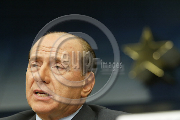 BRUSSELS - BELGIUM - 16 OCTOBER 2003 - EU-SUMMIT--Prime Minister and President of the European Council Silvio Berlusconi giving a press conference.  FOTO: ERIK LUNTANG