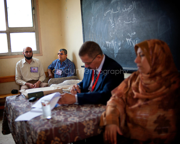 EGYPT - ON THE ROAD TO THE POLLING STATIONS .copyright : Magali Corouge / Documentography.24th of may 2012, Egypt. ..A polling station in fakr El Meselha, Egypt..