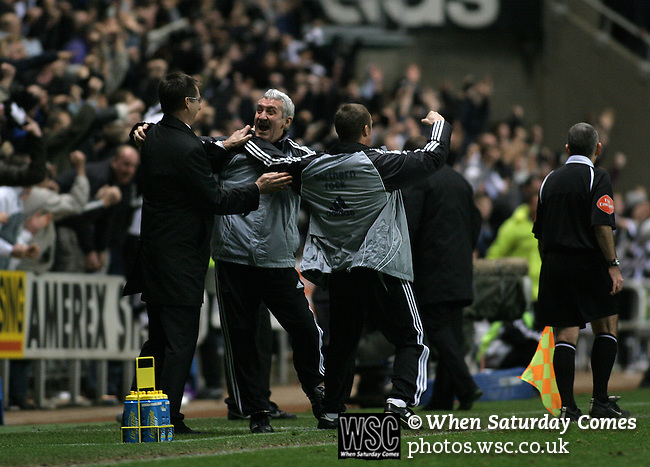 Newcastle United 2 Watford 1, 16/12/2006. St James Park, Premier League. Newcastle United take on Watford (yellow shirts) in a Premiership match at St. James' Park, Newcastle. Both teams were struggling near the bottom of the table with the newly-promoted visitors occupying one of the three relegation at the time of the match. Newcastle won by 2 goals to 1, both being scored by Obafemi Martins. Hameur Bouazza had equalised before United's late winner. Photo shows United boss Glenn Roeder on the touchline celebrating the winning goal with coach Terry McDermott. Photo by Colin McPherson.