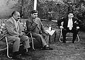 Iraq 1959.In Bagdhad, Mustafa Barzani coming back from Soviet Union  meeting left Eskandar? and right, Baba Ali?.Irak 1959.A Baghdad, Mustafa Barzani rencontrant a son retour d'exil en Union Sovietique Eskandar? a gauche et Baba Ali? a droite