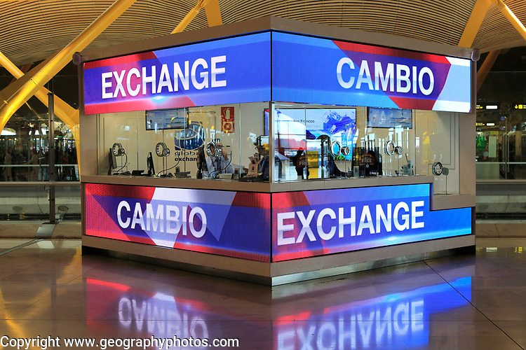 Money exchange booth office, Cambio bureau de change, terminal 4 Madrid airport, Spain