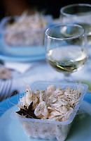 """Europe/France/Aquitaine/33/Gironde/Macau: Crevettes de l'estuaire à l'anis à la guinguette """"Chez Quinquin"""""""