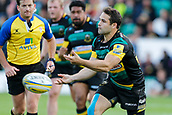 9th September 2017, Franklins Gardens, Northampton, England; Aviva Premiership Rugby, Northampton Saints versus Leicester Tigers; Cobus Reinach of Northampton Saints spins a pass