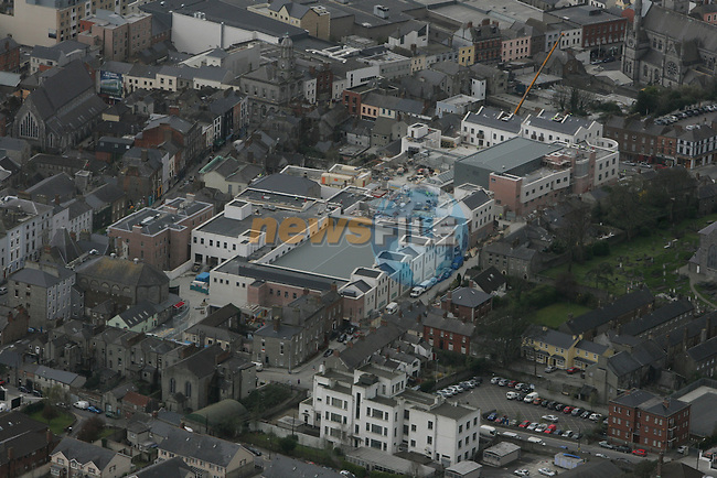 Aerial view of Drogheda showing Palace Street looking west with the Laurence Centre (under construction) in view. 12/04/05. ..Photo NEWSFILE/Fran Caffrey.(Photo credit should read Fran Caffrey/NEWSFILE)....This Picture has been sent you under the condtions enclosed by:.Newsfile Ltd..The Studio,.Millmount Abbey,.Drogheda,.Co Meath..Ireland..Tel: +353(0)41-9871240.Fax: +353(0)41-9871260.GSM: +353(0)86-2500958.email: pictures@newsfile.ie.www.newsfile.ie.FTP: 193.120.102.198...This picture is from Fran Caffrey@newsfile.ie