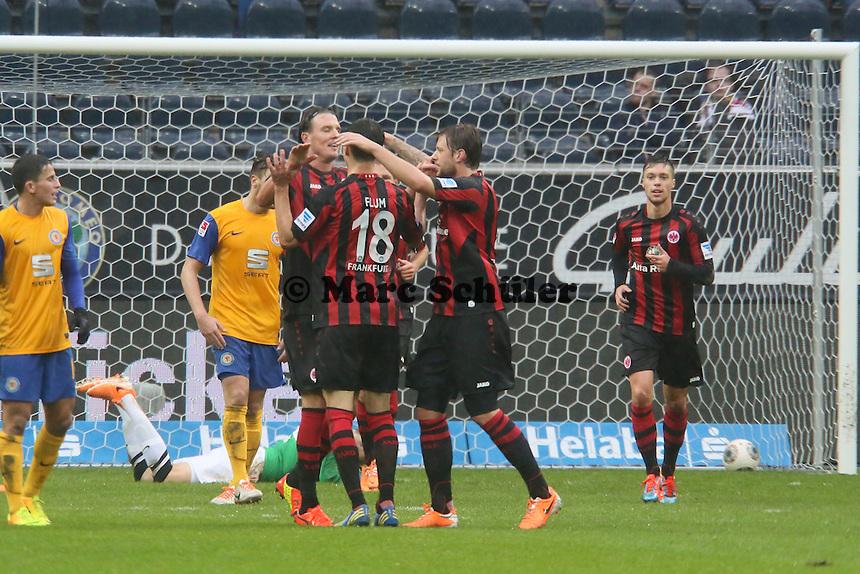 Alex Meier (Frankfurt) erzielt das 2:0 und jubelt - Eintracht Frankfurt vs. Eintracht Braunschweig, Commerzbank Arena