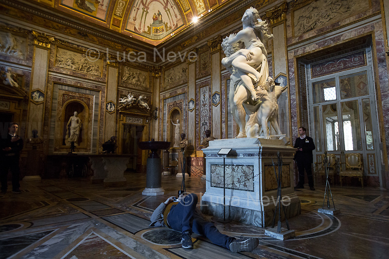 """A real Artist made everyone else nervous... <br /> <br /> Rome, 03/03/2019. Vising and documenting the Galleria Borghese (Borghese Gallery, 1.) located in Rome's Villa Borghese. «The Galleria Borghese Museum houses and displays a collection of ancient sculptures, bas-reliefs, and mosaics, as well as paintings and sculptures dating from the 15th through the 19th centuries. Among the masterpieces of the collection – the first and most important part of which goes back to the collecting of Cardinal Scipione Borghese (1579-1633), nephew of Pope Paul V [the Pope responsible for renewing the facade of Saint Peter's Basilica, 2. ndr] – are paintings by Caravaggio, Raphael, Titian, Correggio, Antonello da Messina, and Giovanni Bellini and sculptures by Gian Lorenzo Bernini and Canova. The works are displayed in the 20 frescoed rooms that, together with the portico and the entrance hall, constitute the spaces of the Museum open to the public. More than 260 paintings are housed in the storerooms of the Galleria Borghese, which are located above the floor of the Pinacoteca and set up like a picture gallery […]» (3.). The Galleria Borghese's collection includes artworks by: Gian Lorenzo Bernini, Agnolo Bronzino, Antonio Canova, Caravaggio, Raffaello (Raphael), Perugino, Lorenzo Lotto, Antonello da Messina, Cranach, Annibale Carracci, Pieter Paul Rubens, Bellini, Tiziano (Titian).<br /> This visit was possible thanks to the company of Artist and Curator, Flavio Marzadro and the Italian State initiative: """"Domeniche al Museo"""" (Sunday at the Museum, 4.).<br /> <br /> Footnotes & Links:<br /> 1. https://galleriaborghese.beniculturali.it/en/<br /> 2. http://tiny.cc/qin7mz<br /> 3. https://galleriaborghese.beniculturali.it/en/il-museo/<br /> 4. http://musei.beniculturali.it/en/eventi/domenicalmuseo<br /> (Source, Wikipedia.org, ENG & ITA) https://en.wikipedia.org/wiki/Galleria_Borghese & https://it.wikipedia.org/wiki/Galleria_Borghese"""