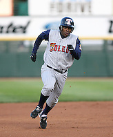 2007:  Timo Perez of the Toledo Mudhens heads to third base vs. the Rochester Red Wings in International League baseball action.  Photo By Mike Janes/Four Seam Images