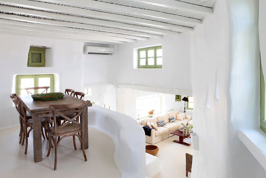 traditional cycladic mezzanine dining room