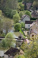 Europe/France/Bourgogne/89/Yonne/ Merry: Maisons et le canal du Nivernais dans la vallée de l'Yonne