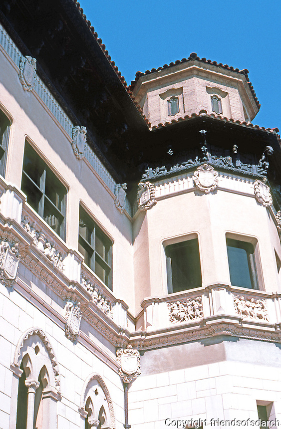 Hearst Castle: La Casa Grande. Steel reinforced concrete. Photo '86.