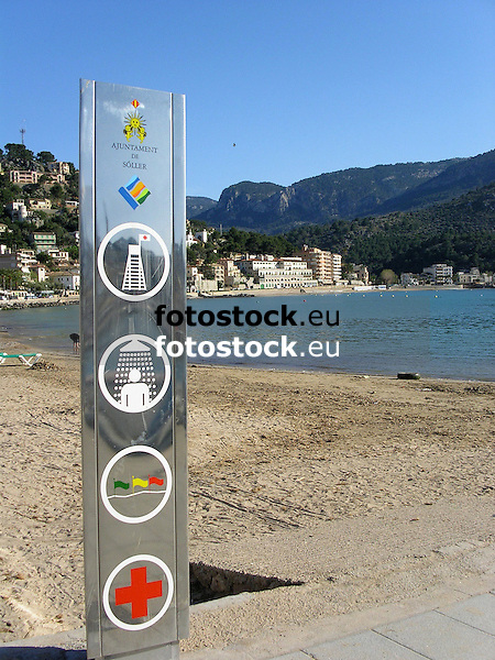 Sign at the beach of Puerto de Sóller<br /> <br /> Letrero en la playa de Puerto de Sóller<br /> <br /> Schild am Strand von Puerto de Sóller<br /> <br /> 2272 x 1704 px<br /> 150 dpi: 38,47 x 28,85 cm<br /> 300 dpi: 19,24 x 14,43 cm