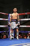 Orlando Cruz venció por decisión unánime (99 - 91, 97 - 93, 96 – 94) a Gabino Cota y se quedó con el cinturón Latino de los superpluma de la Organización Mundial de Boxeo (OMB) en 10 rounds.