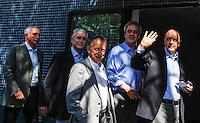 SAO PAULO, SP, 31 AGOSTO 2012 - ELEICOES 2012 - JOSE SERRA - O candidato a prefeitura de Sao Paulo pelo PSDB acompanhado do seu vice Alexandre Scheneider e visto chegando na APAE para encontro promovido pela entidade, no bairro de Vila Mariana, regiao sul da capital paulista, nesta sexta-feira, 31. (FOTO: VANESSA CARVALHO / BRAZIL PHOTO PRESS).