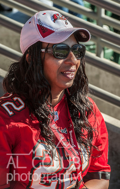 Tampa Bay Buccaneers running back Doug Martin (22) mother Leslie Baranco Martin on Sunday at O.co Coliseum in Oakland, CA.  The Buccaneers defeated the Raiders 42-32..
