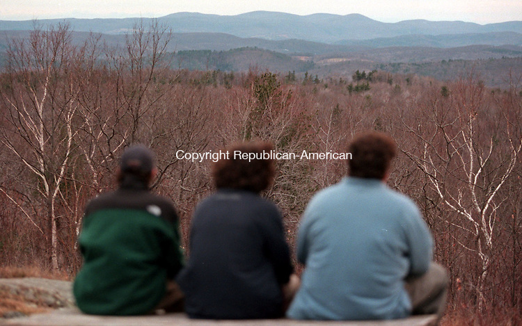 CORNWALL, CT 12/07/98--1207DC05.tif (L TO R) James Smith, Mike Raymond and Zack Githens of Warren look out onto the countryside from the observation area of Mohawk Mountain 07 December.  -DOUG COLLIER staff photo  FOR TOUGAIS STORY (Filed in Scans/Scan-In)