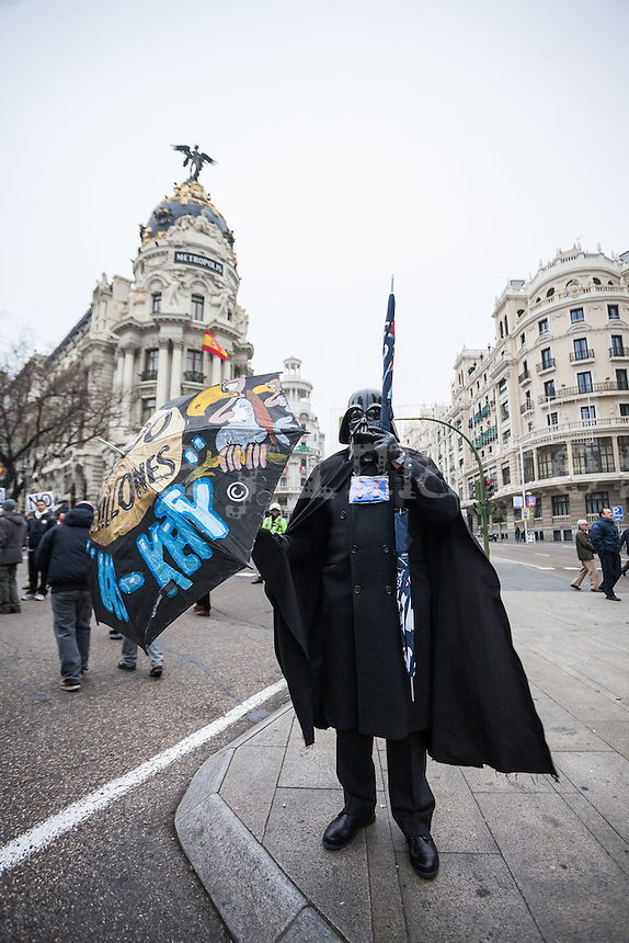 Spanish protest against health privatization