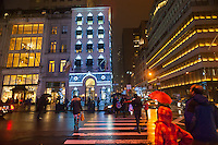 Harry Winston jewelers on Fifth Avenue decorated for Christmas on Tuesday, December 23, 2014. Wet weather in the Eastern U.S. is set to disrupt Christmas travel.  (©Richard B. Levine)
