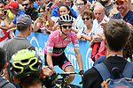 Race leader Maglia Rosa Simon Yates (GBR) Mitchelton-Scott  arrives at sign on before the start of Stage 15 of the 2018 Giro d'Italia, running 156km from Tolmezzo to Sappada, Italy. 20th May 2018.<br /> Picture: LaPresse/Gian Mattia D'Alberto | Cyclefile<br /> <br /> <br /> All photos usage must carry mandatory copyright credit (&copy; Cyclefile | LaPresse/Gian Mattia D'Alberto)