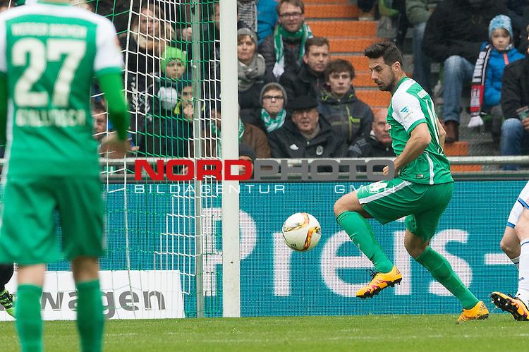 19.03.2016, Weser Stadion, Bremen, GER, 1.FBL. Werder Bremen vs FSV Mainz 05, im Bild<br /> <br /> Claudio Pizarro (Bremen #14)<br /> Einzelaktion, Ganzk&ouml;rper / Ganzkoerper,<br /> <br /> Foto &copy; nordphoto / Kokenge