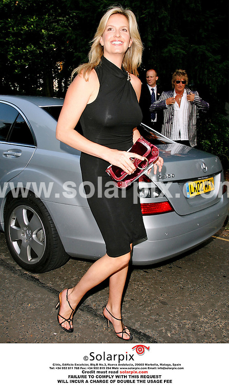 ALL ROUND PICTURES FROM SOLARPIX.COM. .Penny Lancaster arrives for the David Frost Summer party in Carlyle Square, London on 05.07.06. Job Ref: 2548/SFE..MUST CREDIT SOLARPIX.COM OR DOUBLE FEE WILL BE CHARGED..