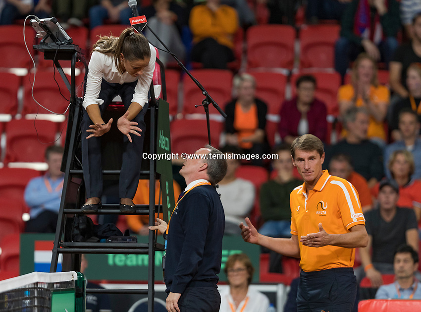 The Hague, The Netherlands, September 17, 2017,  Sportcampus , Davis Cup Netherlands - Chech Republic, Fifth match : Dutch Captain Paul Haarhuis in discussion with the Umpire<br /> Photo: Tennisimages/Henk Koster