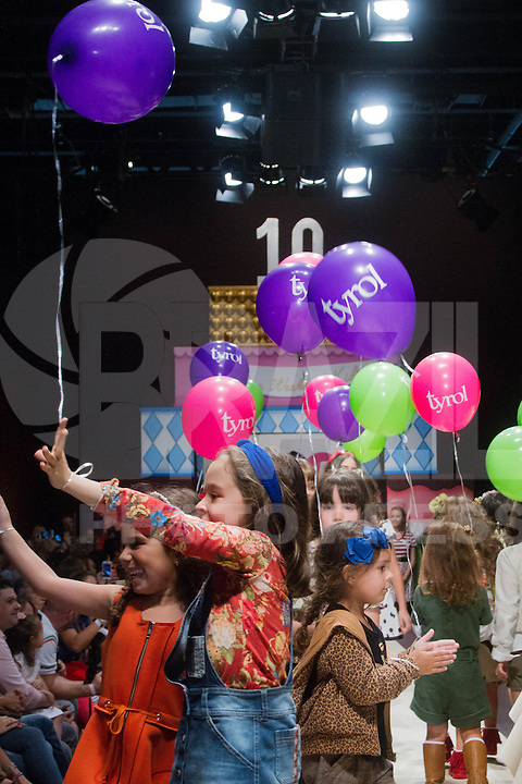 SÃO PAULO,SP,28.03.2015- FASHION WEEKEND KIDS - Modelos durante o desfile da marca Tyrol,presente desde a primeira edição do evento.Shopping Cidade jardim,região sul da cidade de São Paulo nesse sábado,28.(FOTO:KEVIN DAVID/BRAZIL PHOTO PRESS)