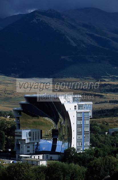 Europe/France/Languedoc-Roussillon/66/Pyrénées -Orientales/Odeillo : Le four solaire