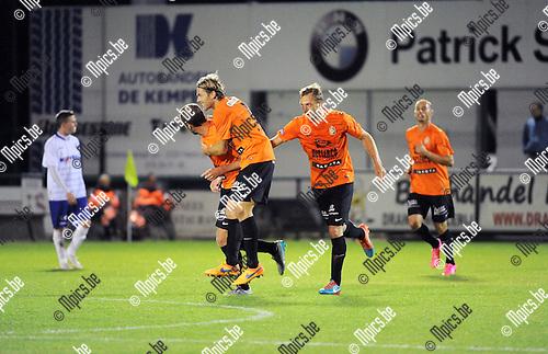 2015-09-05 / Voetbal / Seizoen 2015-2016 / KSK Heist - Deinze / Deinze viert de 1-1 van Jorn Vermeulen<br /><br />Foto: Mpics.be