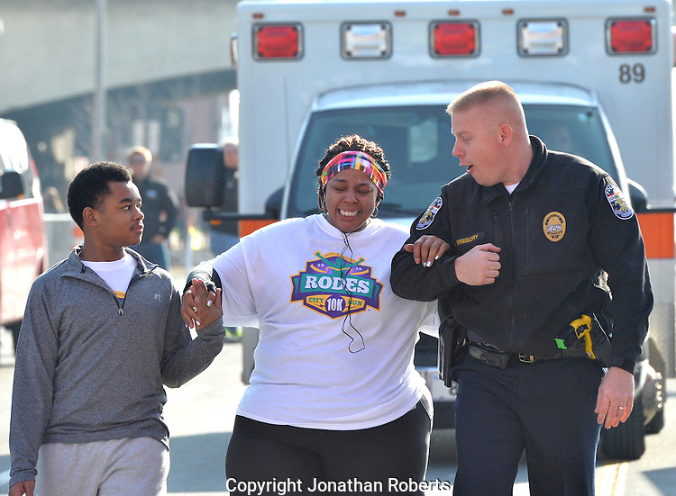 Rodes City Run 10K  2015 signature and winners images<br />