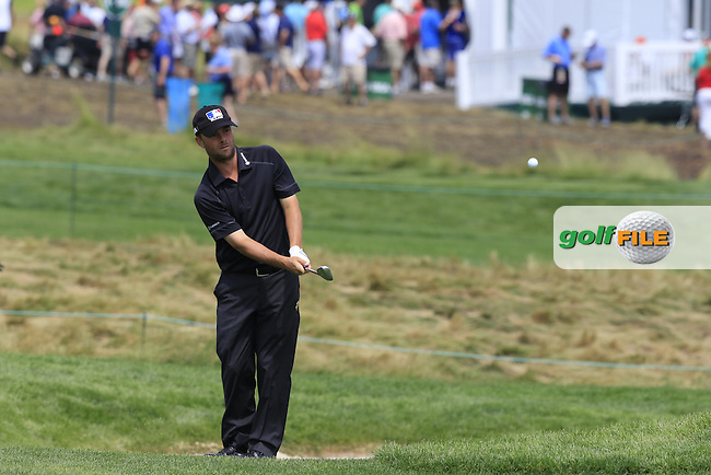 Spencer Levin (USA) chips onto the 10th green during Friday's Round 1 of the 2016 U.S. Open Championship held at Oakmont Country Club, Oakmont, Pittsburgh, Pennsylvania, United States of America. 17th June 2016.<br /> Picture: Eoin Clarke | Golffile<br /> <br /> <br /> All photos usage must carry mandatory copyright credit (&copy; Golffile | Eoin Clarke)