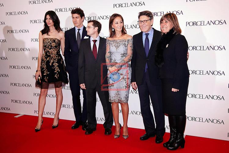 Inauguracion tienda Porcelanosa Barcelona.<br /> Davinia Pelegri, Oriol Elcacho &amp; Isabel Preysler con directivos de Porcelanosa.