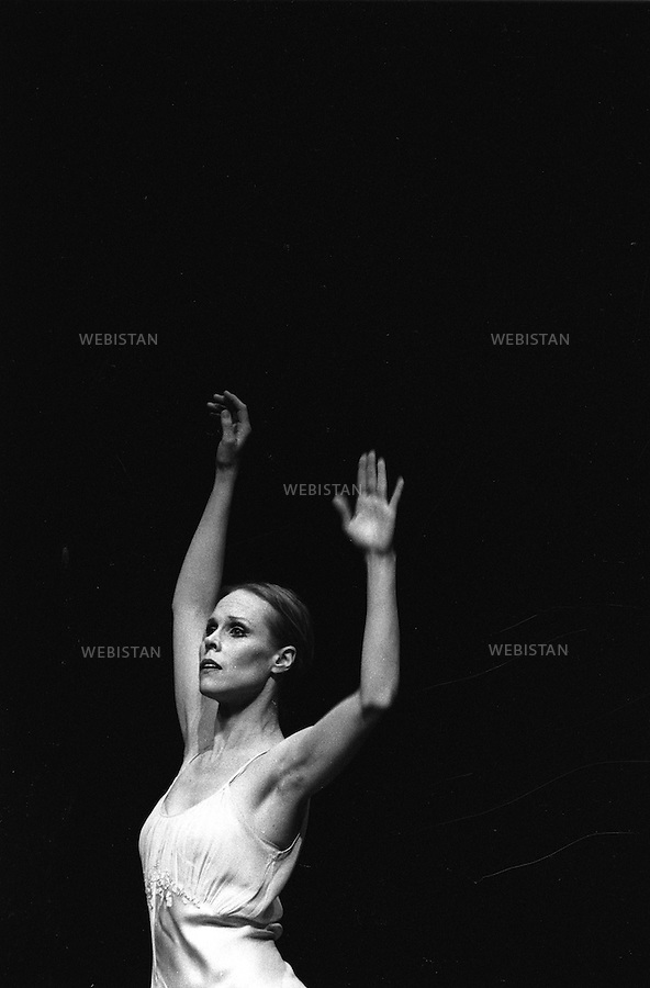 07/04/1989. France. La danseuse et chorégraphe américaine Carolyn Carlson. France. American ballerina and choreographer Carolyn Carlson.