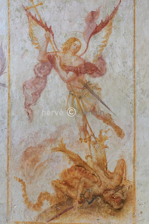 France, la Puisaye, Yonne (89), la Ferté-Loupière, église Saint-Germain et fresque de Saint Michel terrassant le dragon // France, the Puisaye, Yonne, la Ferte-Loupiere, Saint-Germain church, fresco, Saint Michael slaying the dragon