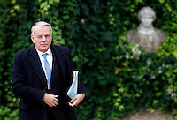 Il Primo Ministro francese Jean-Marc Ayrault arriva al vertice intergovernativo italo-francese a Villa Madama, Roma, 20 novembre 2013.<br /> French Prime Minister Jean-Marc Ayrault arrives for the intergovernmental summit between Italy and France at Villa Madama, Rome, 20 November 2013.<br /> UPDATE IMAGES PRESS/Isabella Bonotto