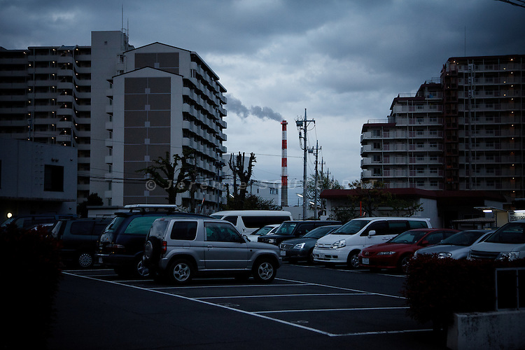 Tokyo, April 20 2011 -  .(eng) In Nerima district, one of the poorest in Tokyo, Ryota Suzuki and his family have settled down in a public housing unit, provided by the Tokyo city hall...(fr) Dans l'arrondissement de la Edogawa, un des quartiers les plus pauvres de Tokyo, Ryota Suzuki et sa famille ont obtenu un HLM de la ville de Tokyo.