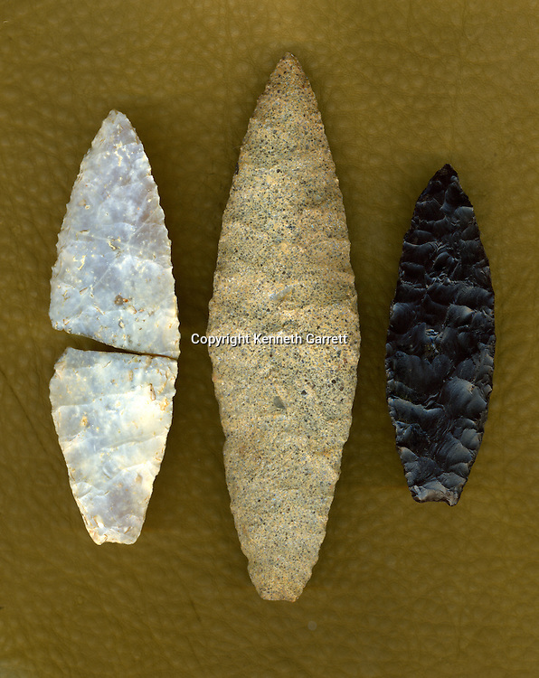 Solutrean Laurel Leaf bi-face knife or point; French flint; James river at mouth of Appamattox river; Center-local material spottsylvania county; same style; left-south Marsh island; Chesapeake; local material; same style; First Americans; Dennis Stanford; Chesapeake; Solutrean; Crossing Atlantic Ice; 20; 000BP