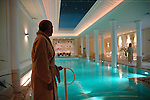 La piscina dell'hotel Vittoria a Torino...The swimming pool of the Vittoria Hotel in Turin..September 2006...Ph. Marco Saroldi/Pho-to.it