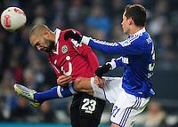 FUSSBALL   1. BUNDESLIGA   SAISON 2012/2013    18. SPIELTAG FC Schalke 04 - Hannover 96                           18.01.2013 Sofian Chahed (li, Hannover 96) gegen Julian Draxler (re, FC Schalke 04)