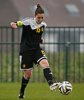 20141126 - TUBIZE , BELGIUM : Belgian Elien Van Wynendaele pictured during the Friendly female soccer match between Women under 19 / 21  teams of  Belgium and Turkey .Wednesday 26th November 2014 . PHOTO DAVID CATRY