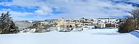 France, Haute-Loire (43), Pradelles, labellisé Les Plus Beaux Villages de France, sous la neige