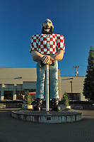 Statue of Paul Bunyun in Kenton Oregon a suburb of Portland Oregon