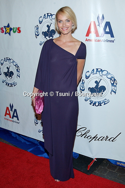 Amber Valetta arriving at the Carousel of Hope which support the Barbara Davis Center for Childhood Diabetesat the Beverly Hilton in Los Angeles. October 15, 2002.