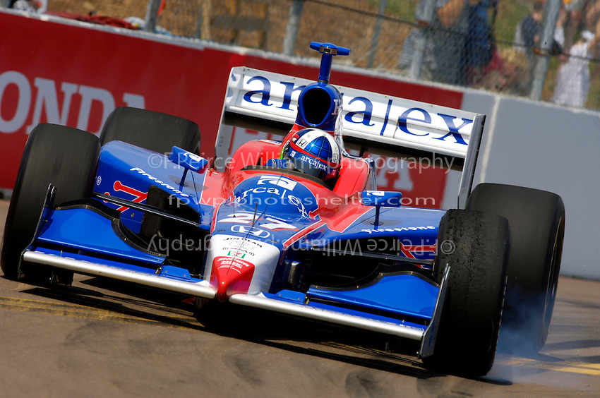 Grand Prix of St. Petersburg, 3 April, 2005.Dario Franchitti locks a wheel in turn 10..Copyright©F.Peirce Williams 2005.  ref.Digital Image Only