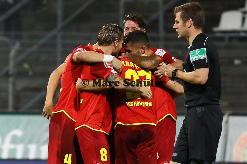 Torjubel Andrej Kramaric (TSG 1899 Hoffenheim) beim 0:1 - SV Darmstadt 98 vs. TSG 1899 Hoffenheim, Johnny Heimes Stadion am Boellenfalltor