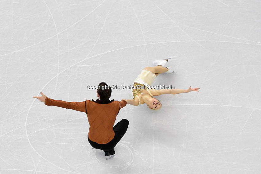 Saturday, April 2, 2016: Alexa Scimeca and Chris Knierim (USA) skate in the Pairs Free Skate Program at the International Skating Union World Championship held at TD Garden, in Boston, Massachusetts. Eric Canha/CSM