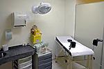 Sala de exame ginecologico. Sao Paulo. 2009. Foto de Marcia Minillo.