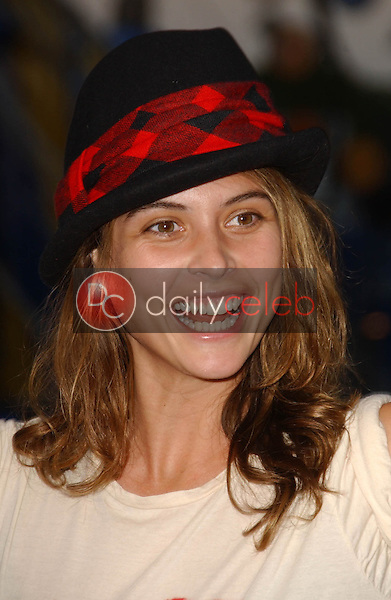 Josie Maran<br />