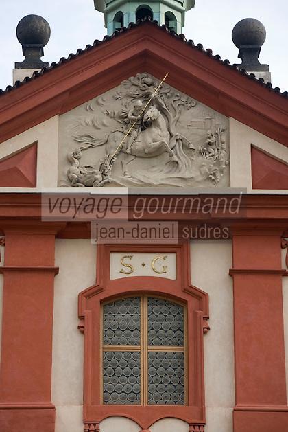 Europe/République Tchèque/Prague:le couvent  et basilique  Saint-Georges détail de la façade - Architecture baroque